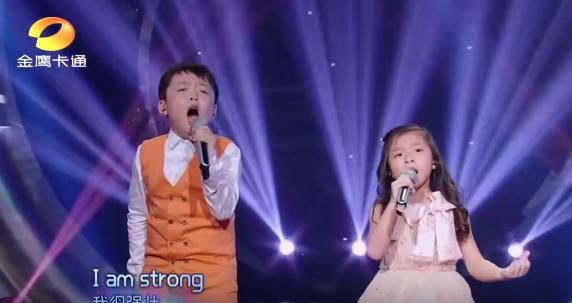 7歳の兄妹がオーディション番組で披露した歌声がうますぎる!世界中から絶賛の嵐【動画】