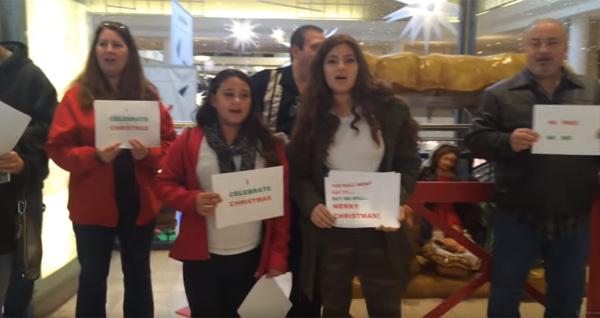 サンタを削減→客が激おこ!クリスマス商戦を前にニューヨークのショッピングモールで不買運動【動画】