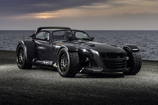 ドンカーブート、「D8 GTO」の特別仕様車「ベアネイキッド・カーボン・エディション」を発表