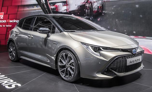 【ジュネーブモーターショー2018】トヨタ、新型「オーリス」を発表! 2種類のハイブリッドと2トーン・カラーを用意