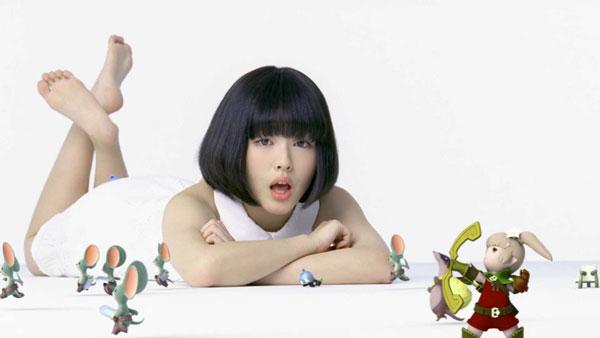 美少女女優・浜辺美波が寝そべりながら鼻歌を歌っている動画が天使すぎると話題に