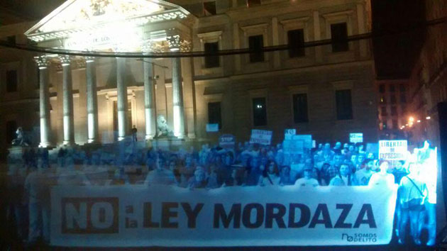 Holographic protesters in Spain