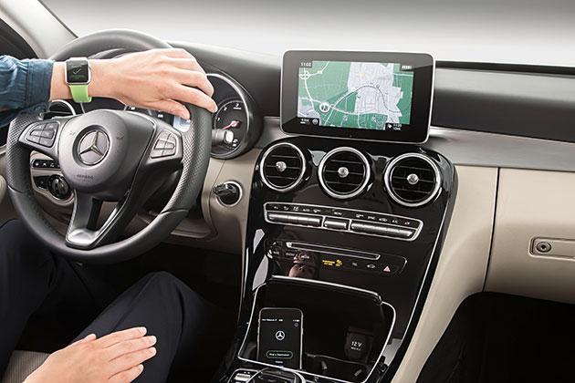 Mercedes-Benz has an Apple Watch app, too