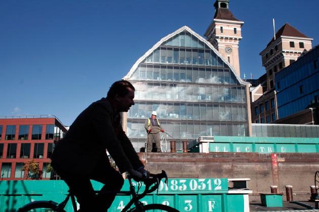 【レポート】パリが、特定の状況下で自転車の赤信号無視を認めることを検討
