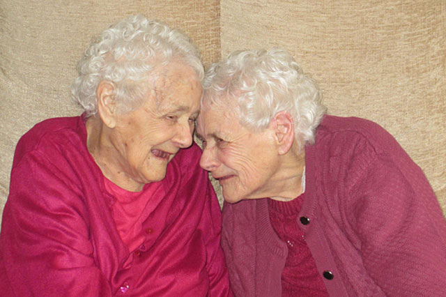 Identical great gradmothers aged 103 named Britain's oldest twins