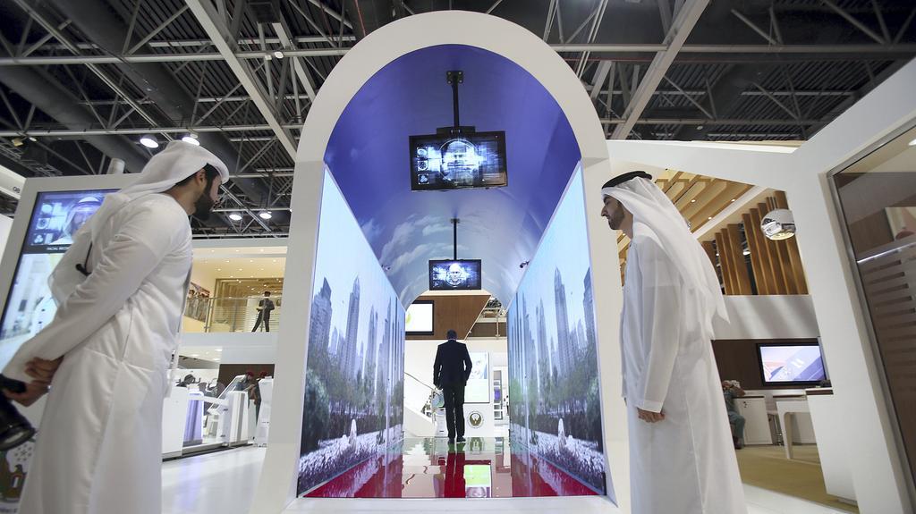 El aeropuerto de Dubái contará con acuarios que ocultan cámaras con reconocimiento facial