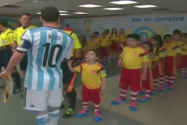 World Cup 2014: Argentina hero Lionel Messi snubs little boy's handshake (video)