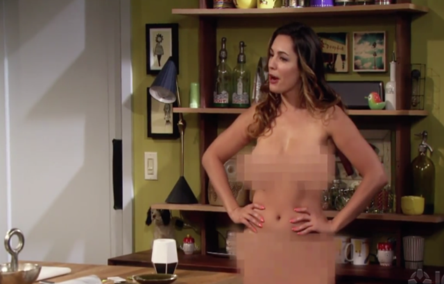 Kelly Brook poses naked in trailer for her new US sitcom One Big Happy