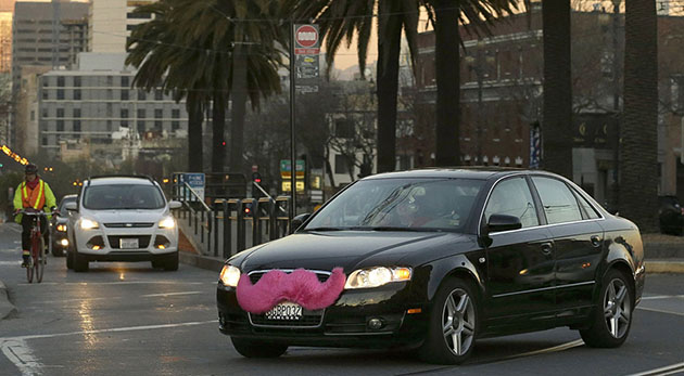 Lyft claims Uber employees ordered at least 5,000 fake rides (update)