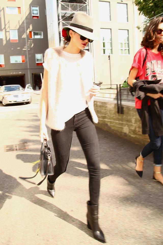 Kendall Jenner in Topshop fur gilet