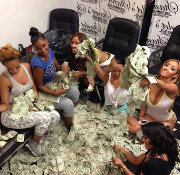 13 Photos That Prove Becoming A Stripper Is A Great Career Choice