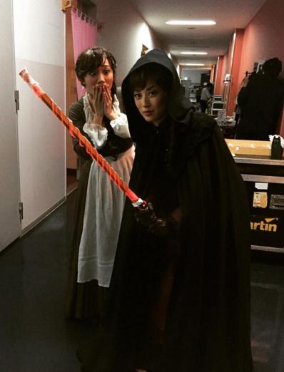 大島優子がダース・ベイダーに扮した高岡早紀の写真を投稿して話題に 「めっちゃ強そうw」「さすが早紀さま」