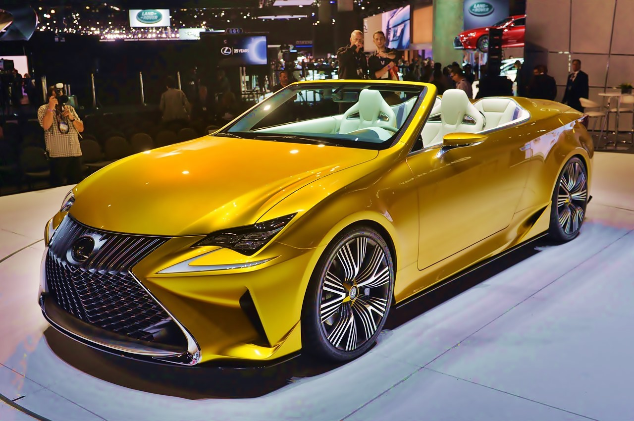 Premiere  Lexus LF-C2 Concept