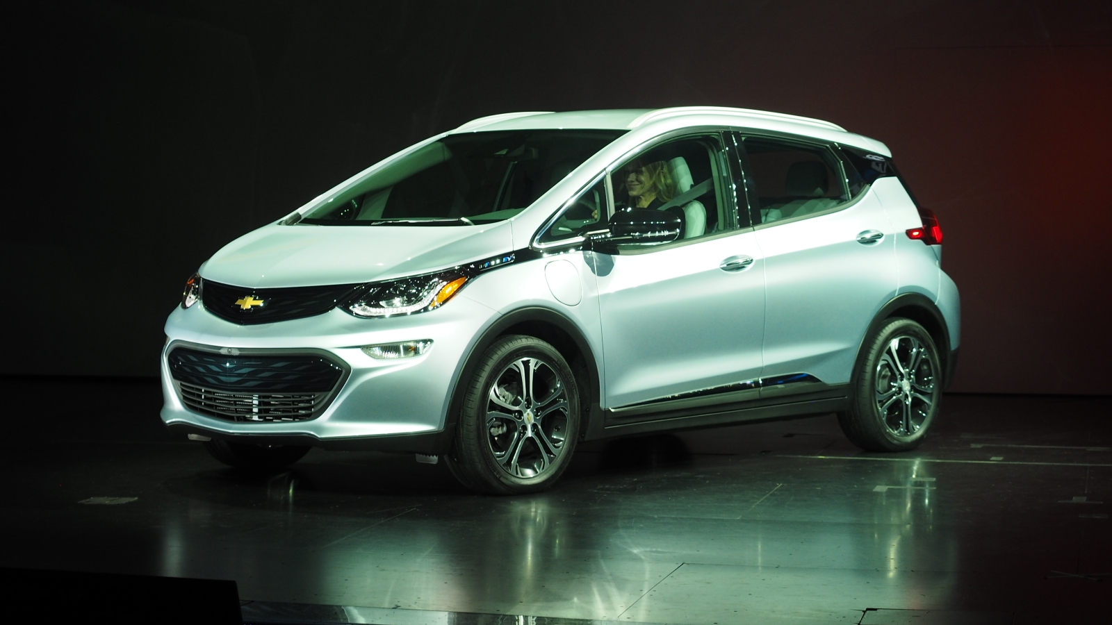 Chevy unveils its pure electric Bolt