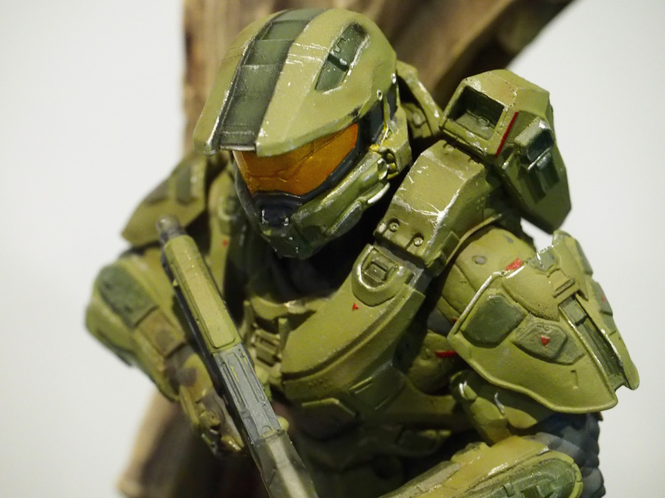 This is the halo 5 guardians collector s edition statue