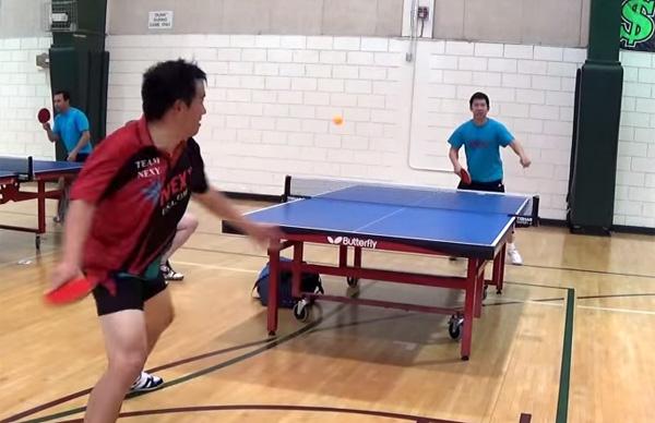 卓球の練習中に炸裂したバックハンドブローが奇跡すぎると話題に【動画】