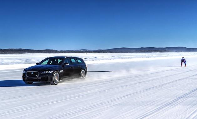 【ビデオ】ジャガー「XF S スポーツブレーク」が、自動車によって牽引されたスキー滑走のギネス世界記録を更新!