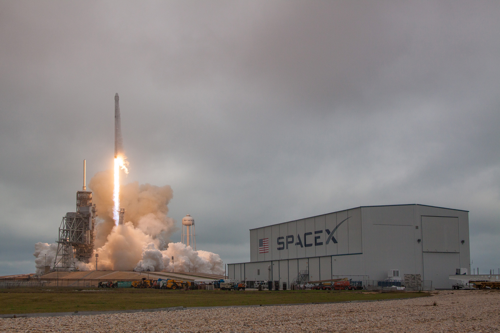 SpaceX successfully blasts off from NASA's famous launch pad