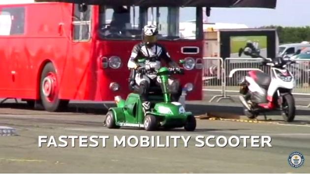 【ビデオ】スズキ「バンディット」用エンジンを搭載したモビリティ・スクーターがギネス最速記録を更新!