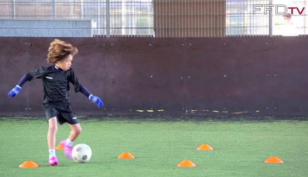 チェルシーが発掘した8歳の天才プレイヤーが凄い 非凡すぎるボールタッチ!【動画】