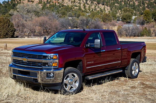 2015 Chevrolet Silverado 2500 HD, front three-quarter view.