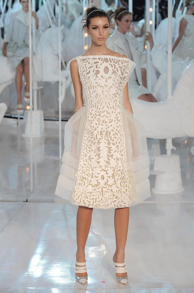 Louis Vuitton - Runway RTW - Spring 2012 - Paris Fashion Week