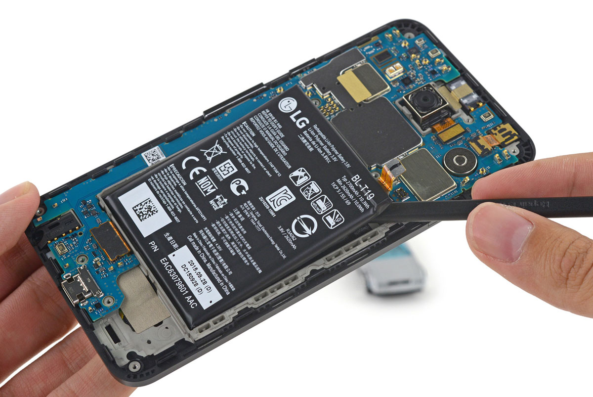 Google's cheapest Nexus phone is easy to fix, too