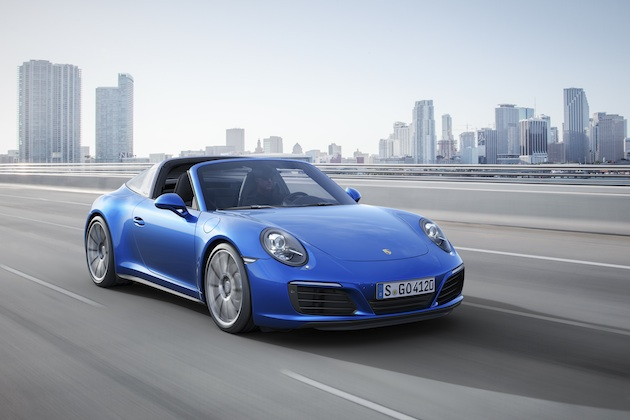 ポルシェ、新しいターボエンジンや4WDを備えた新型「911カレラ4」と「911タルガ4」を発表(ビデオ付)