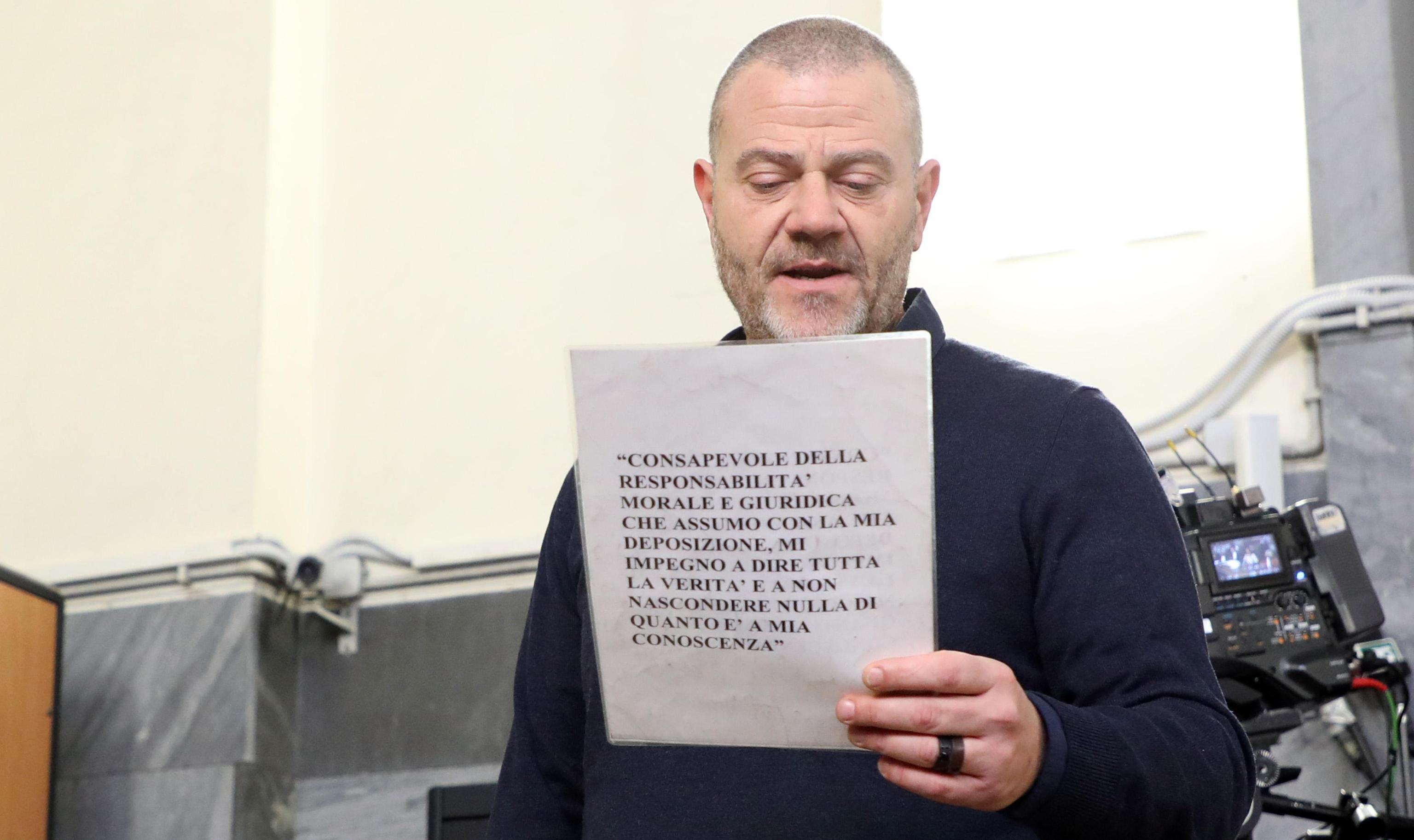 Processo a Cappato, in aula l'intervista integrale a Dj Fabo