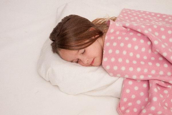 寝すぎ、寝だめはタバコや酒並に危険!?9時間以上の睡眠は死亡リスクが高まるのか?衝撃の研究結果が話題に