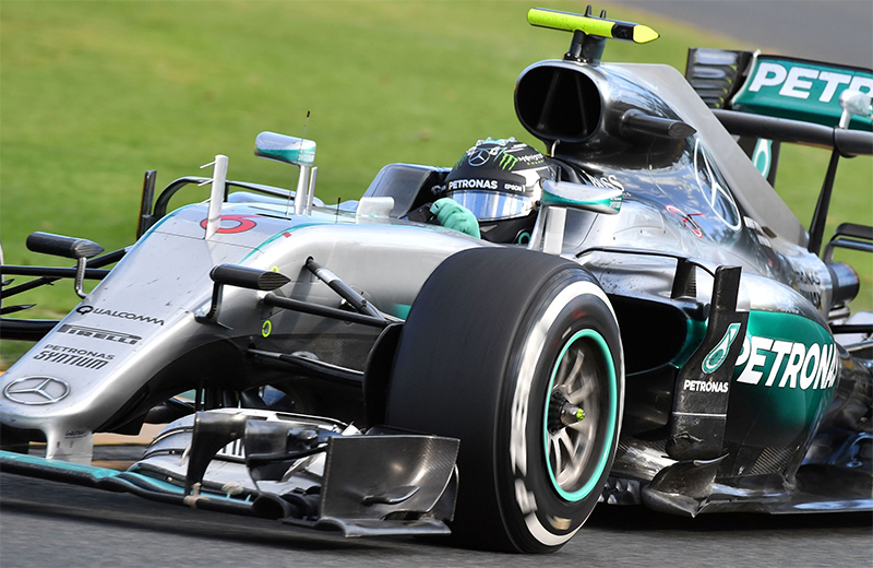 Lewis Hamilton drives during the 2016 Australian F1 Grand Prix.