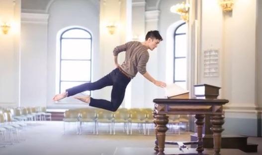 日常がステージに 男性バレエダンサーが魅せる不思議なセルフィーが海外で話題に【動画】