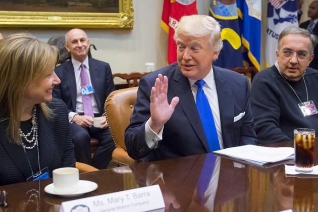 米国の3大自動車メーカー首脳陣がトランプ大統領と会談  さらなる国内雇用を要求された各メーカーCEOの反応は?