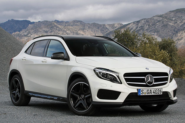 2015 Mercedes-Benz GLA250 4Matic, front three-quarter view.