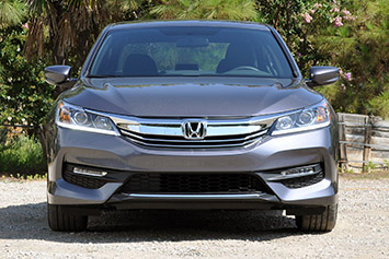 2016 honda accord first drive w video autoblog. Black Bedroom Furniture Sets. Home Design Ideas