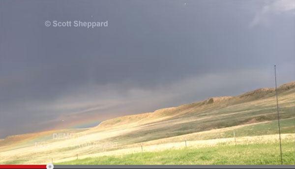 雷が撮影者を直撃!落雷事故の瞬間を収めた映像に戦慄必至