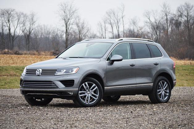 2015 Volkswagen Touareg - front three-quarter view