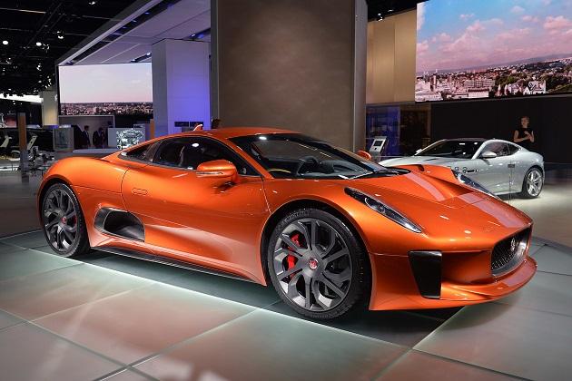 ジャガーが「XK」後継車の計画を中止し、高級電気自動車の開発に注力?