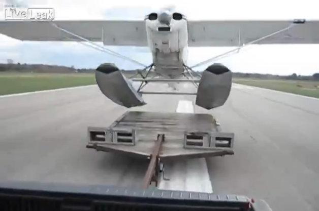 Flugzeug, start, auto, Flugzeug startet vom auto, wasserflugzeug, video, witzig, komisch, lustig