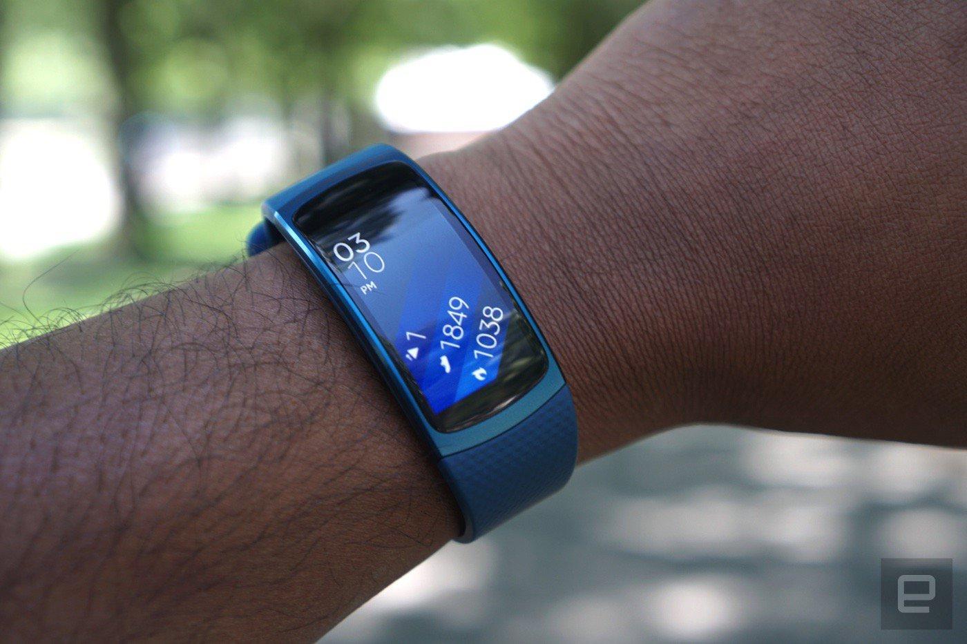 Gear Fit 2 im Test: Das bisher beste Samsung-Wearable ...