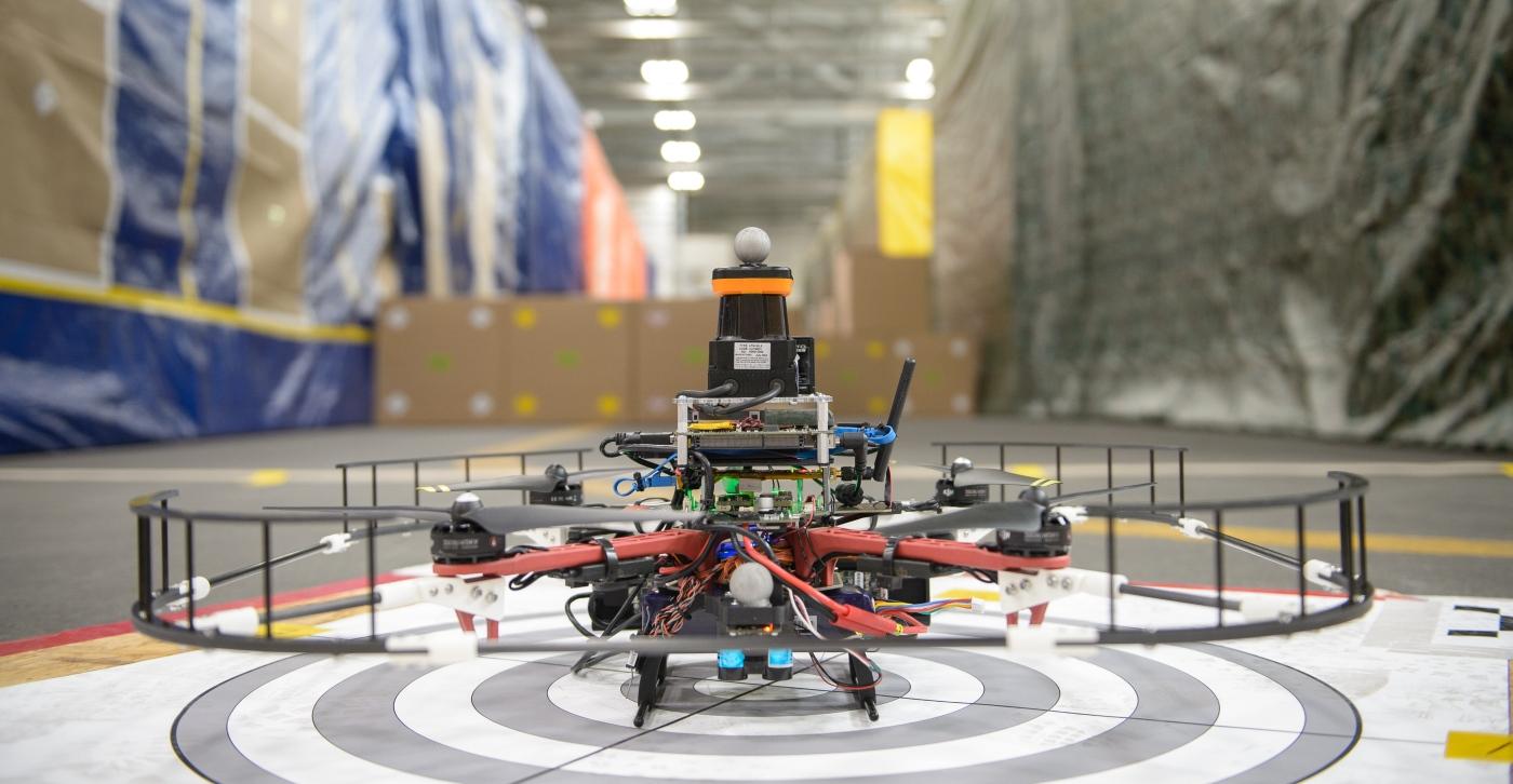 Autonome DARPA-Drohne erreicht 20 Meter pro Sekunde (Video)
