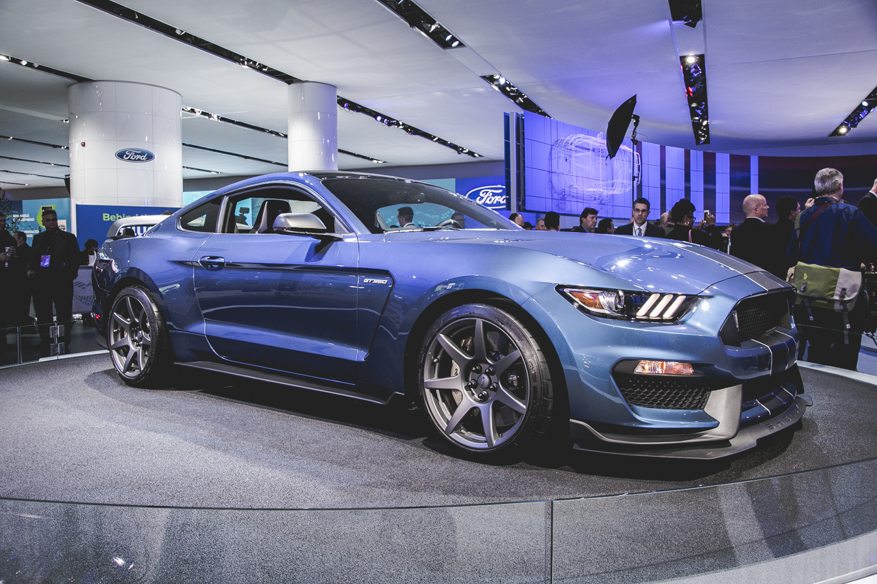 Detroit Auto Show 2015 Ford Shelby GT350 R
