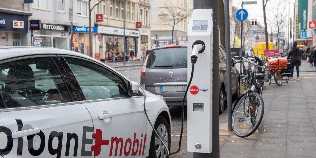 Laternen-TankE: Pilotprojekt in Köln für Elektroautos
