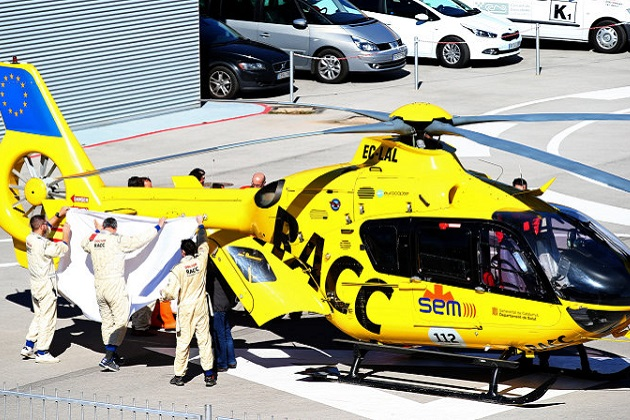 フェルナンド・アロンソがF1のバルセロナ合同テストでクラッシュし、ヘリで緊急搬送