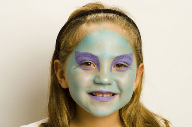 Halloween face painting tutorial: Wicked Witch
