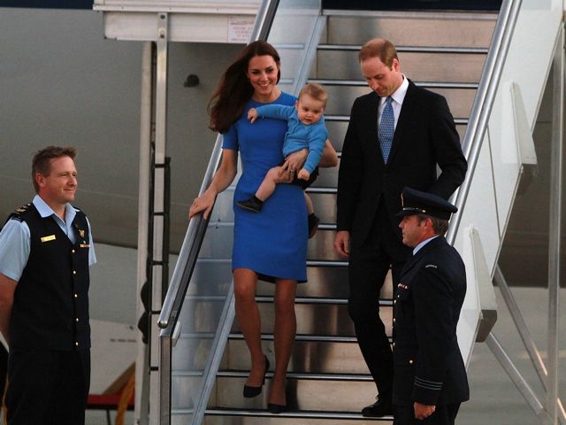 duchess-kate-arrives-canberra-australia-stella-mccartney