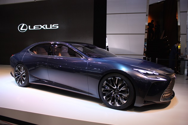 【東京モーターショー2015】次世代型「LS」を示唆するコンセプトカー、レクサス「LF-FC コンセプト」(ビデオ付き)