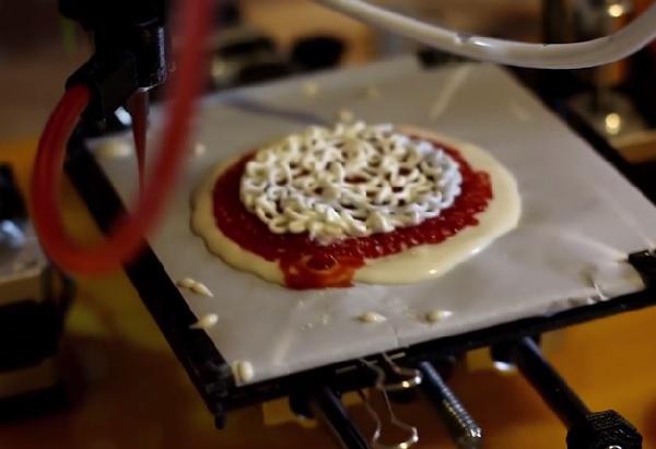 ピザだって作れる! NASA協力のもと米国の企業が開発した宇宙で使える3Dフードプリンター