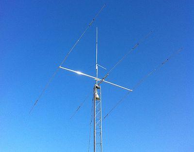 http://commons.wikimedia.org/wiki/File:Ham_Radio_Antenna.JPG