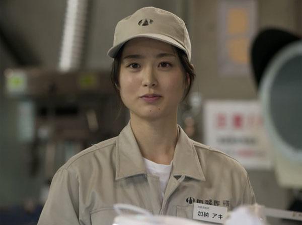 『下町ロケット』の紅一点、エンジニア・加納アキ役の朝倉あき、作業着姿でも光る美女っぷりで人気急上昇中